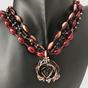 NWT. Liz Claiborne bead necklace